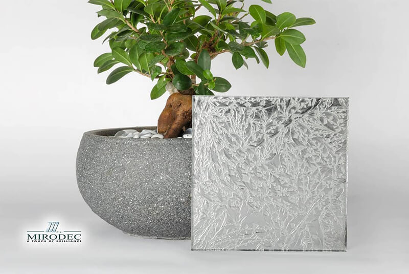sandblasted and engraved glass, The Decorative Applications Of Sandblasted and Engraved Glass